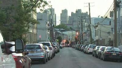 Piden investigar y suspender a tres policías que estuvieron involucrados en un tiroteo en Jersey City