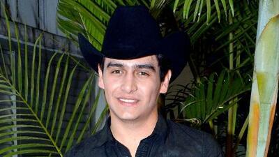 Las razones por las que Julián Figueroa bautizó a su hijo en una ceremonia privada