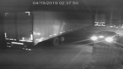 En video: Dos presuntos ladrones se roban un camión con herramienta por un valor de 34,000 dólares
