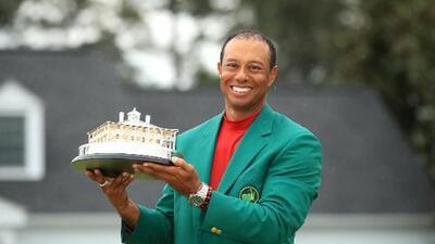Tiger is back! Woods gana su quinto Masters y su primer 'major' desde el 2008
