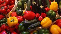 Tras la tormenta invernal, más personas en el norte de Texas están reclamando alimentos gratuitos
