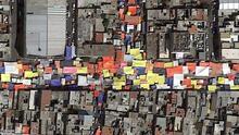 Serpientes de lona: las imágenes satelitales que muestran el empleo informal en Ciudad de México