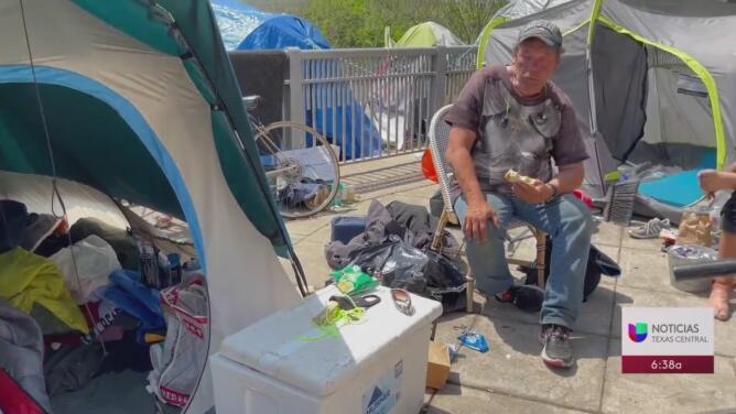 """""""¿A dónde quieren que se vayan?"""", el cuestionamiento de quienes se encuentran en contra de una medida que rechaza los campamentos de indigentes en Austin"""
