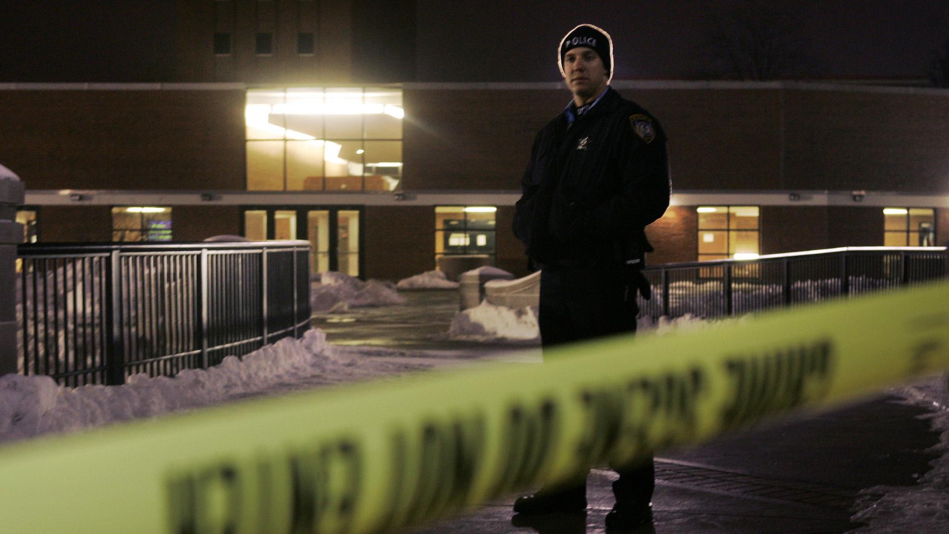 En fotos: Hace 11 años estudiantes vivieron un tiroteo masivo en Northern Illinois University