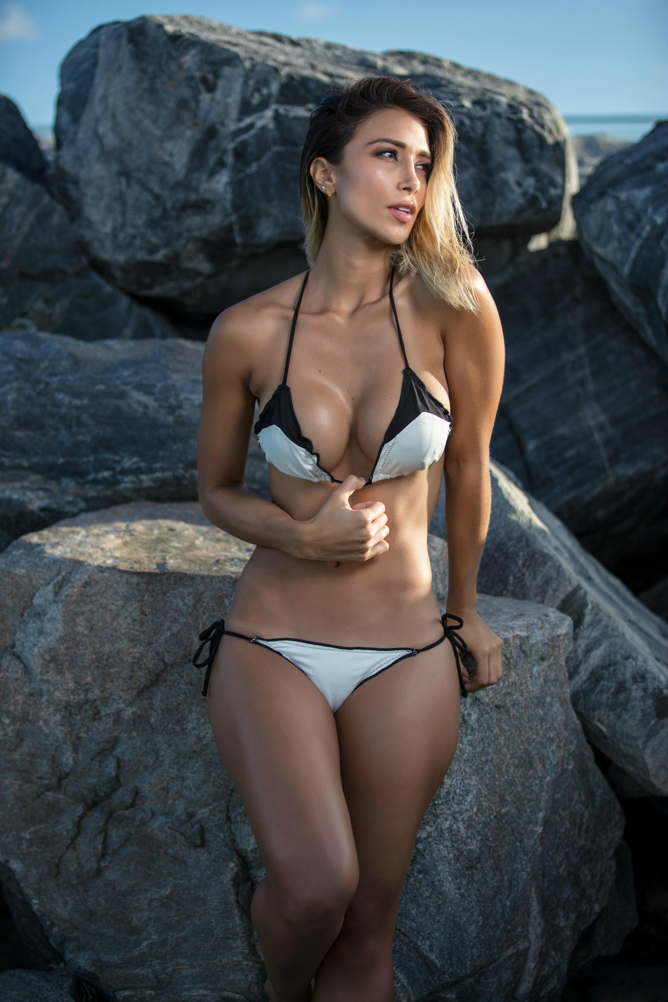 Bikini Valeria Moreno nudes (36 photo), Topless, Hot, Feet, cleavage 2015