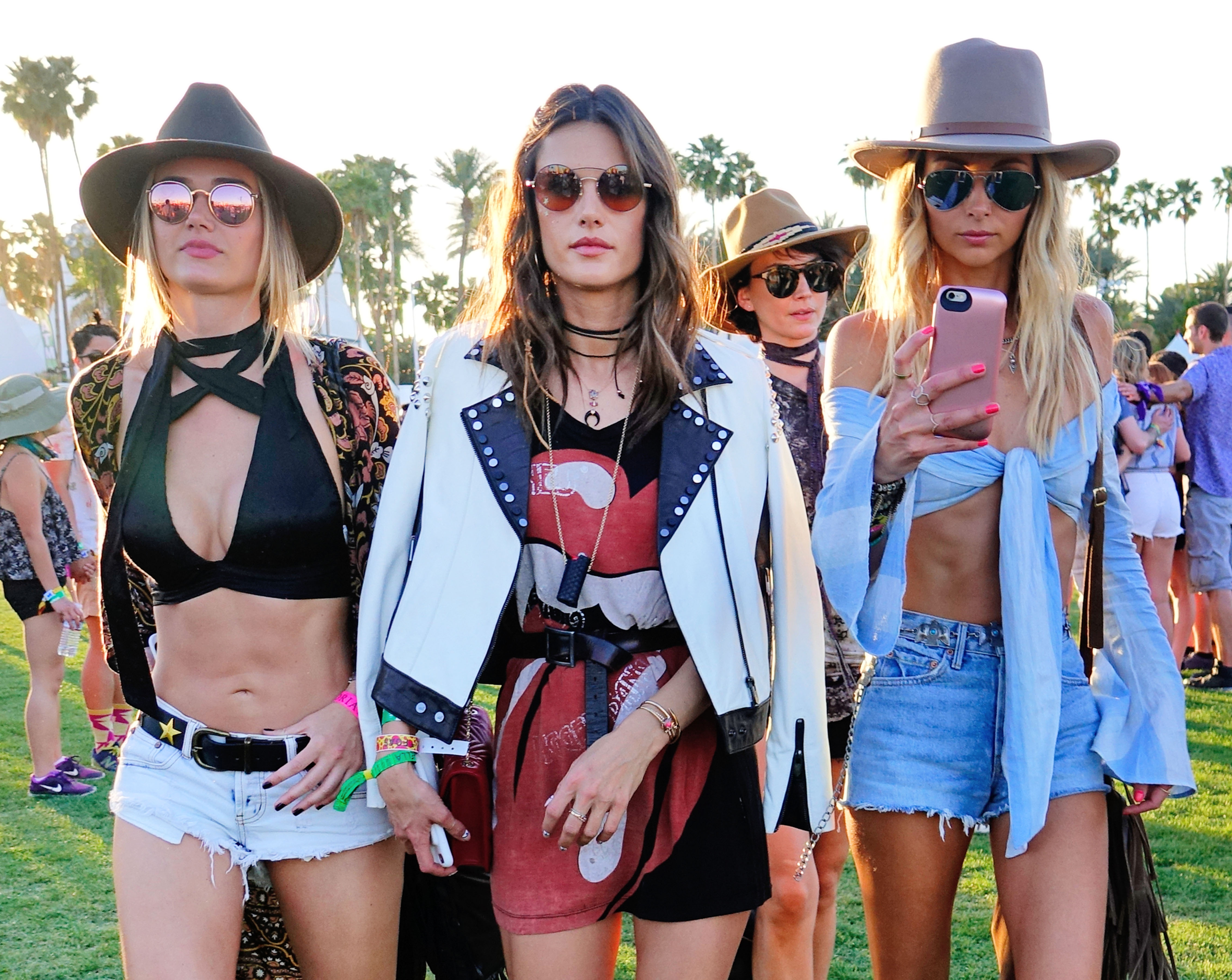 Moda en Coachella 2017: estas celebridades le ponen estilo al festival fuera de los escenarios