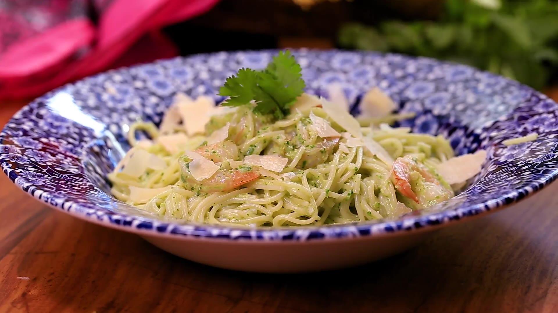 Espagueti Con Salsa De Cilantro
