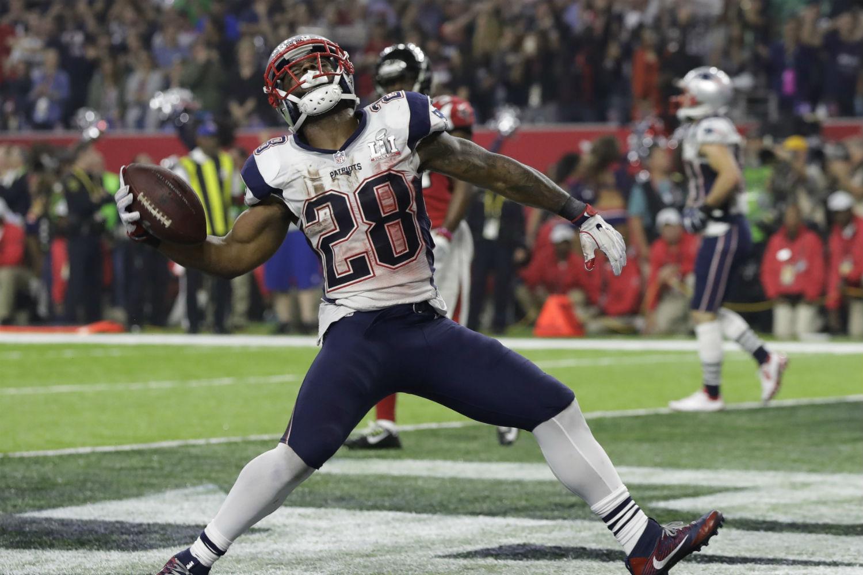 9afd3523a Los Patriots hacen la remontada más grande de la historia y se llevan su  quinto título
