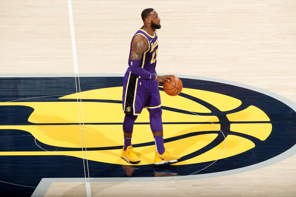 Lo que LeBron James hizo la noche del martes lo acerca más a los mejores de la historia