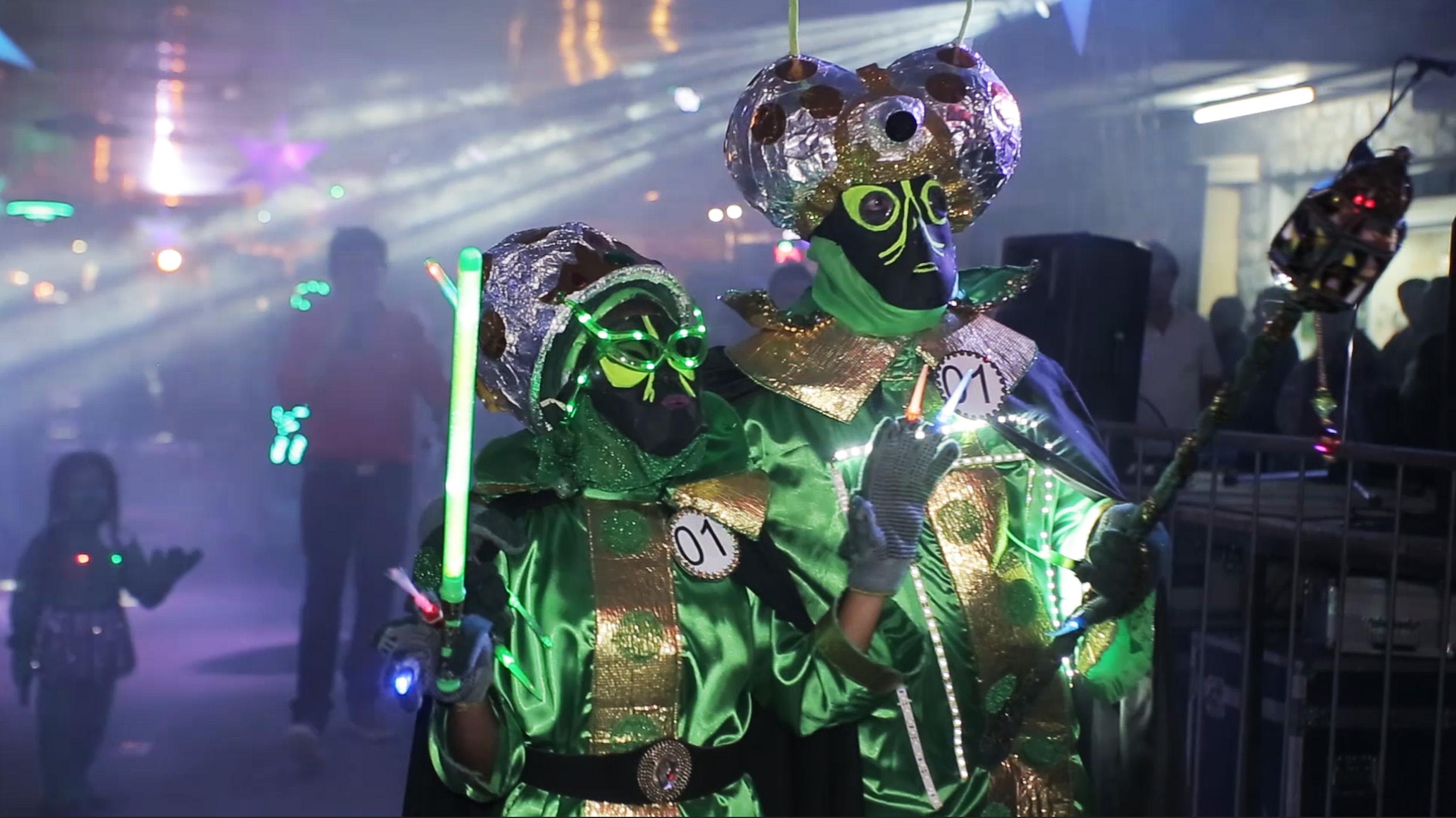 En fotos: en este festival veneran cada año a los extraterrestres